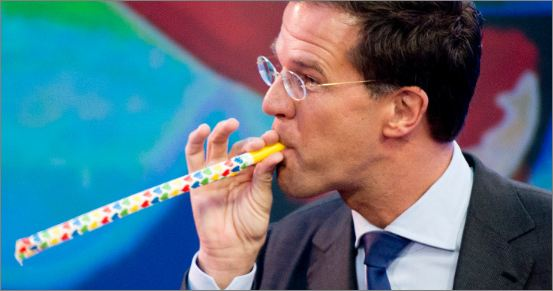 mark-rutte-looking-at-the-pvda.jpeg