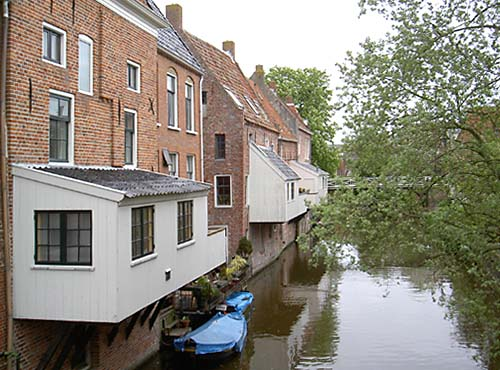 The hanging kitchens of Appingedam. Photo: Wolfskuil via Wikimedia Commons