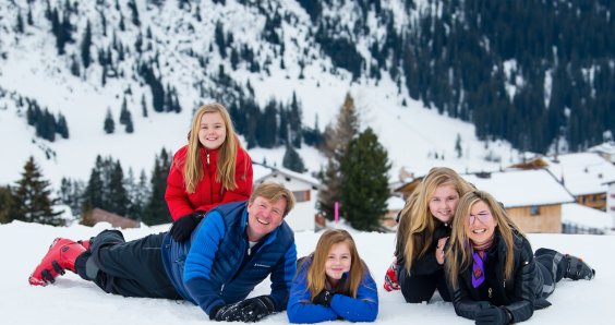 Dutch royals pose in the snow ahead of skiing holiday