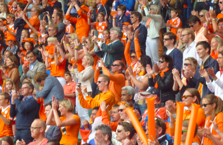 Oranje supporters orange hockey