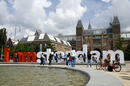 editorial tourists at i amsterdam sign by rijksmuseum amsterdam