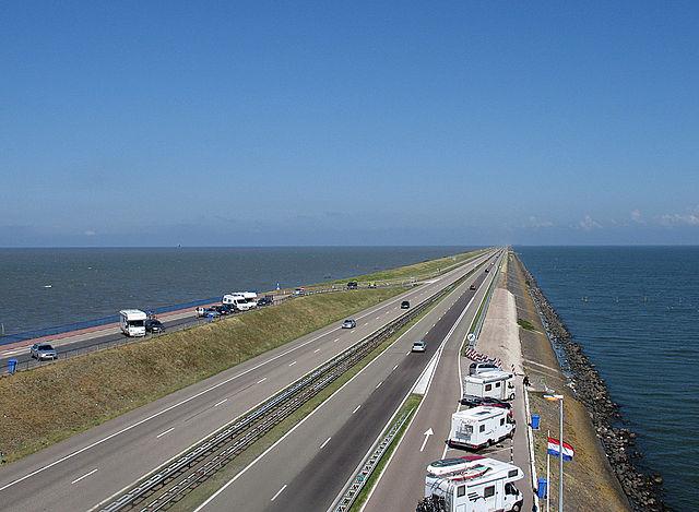 Dutch rail operator braced for 'huge losses' on UK franchises