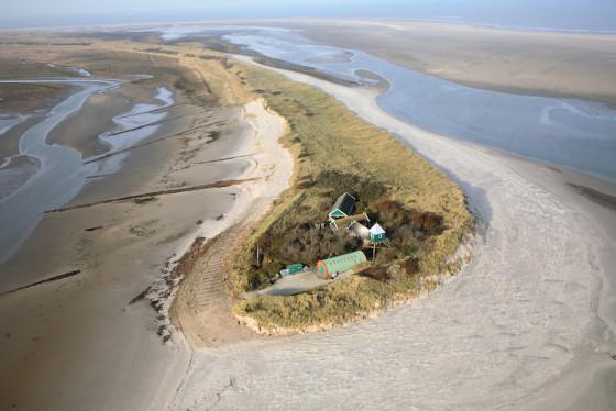 NL Rottumerplaat Luchtfotoserie duinafslag foto: Joop van Houdt