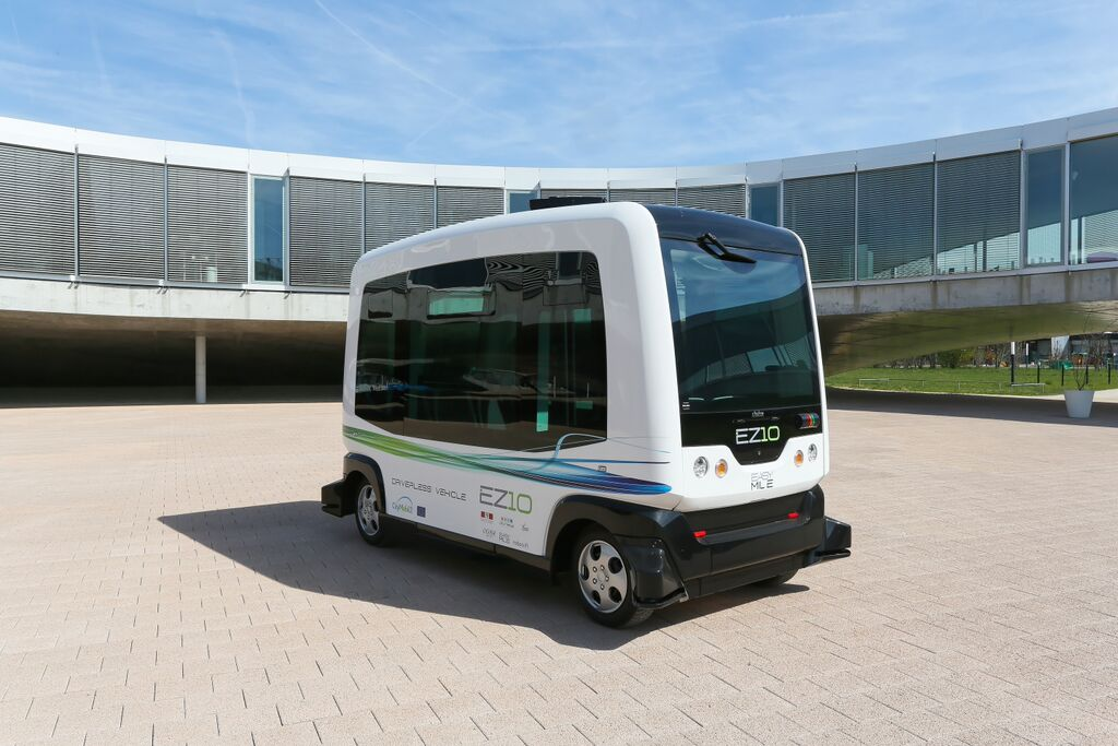 Experiments with this French driverless car begin on Dutch roads next year