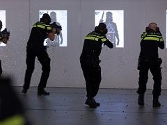 police with machine guns