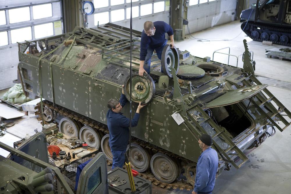 Tank maintenance at Eygelshoven. Photo: Defensie.nl