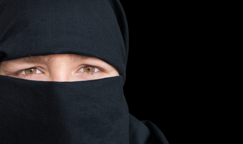 No fines for niqab wearers but Muslim women report more verbal attacks - DutchNews.nl