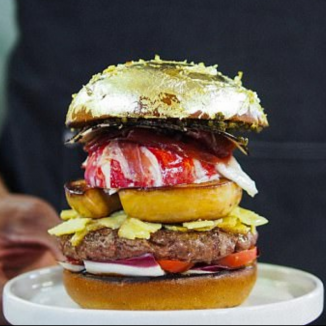 Dutch chef develops burger €2,000 burger, complete with gold leaf