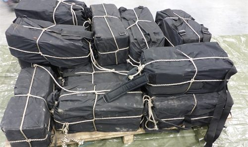Police seize 400 kilos of cocaine in Rotterdam port after tip-off