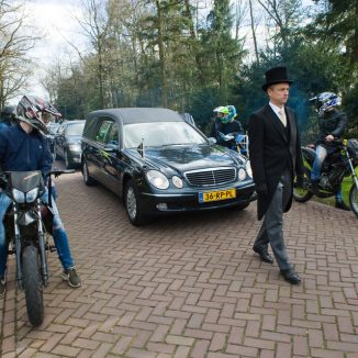 Dying is expensive: so do you need Dutch funeral insurance?