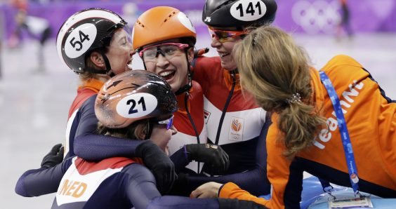 Dramatic end gives Dutch women short track relay bronze and a new record