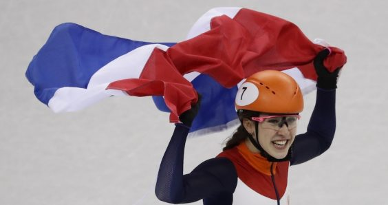 Suzanna Schulting wins the Netherlands' first short-track gold