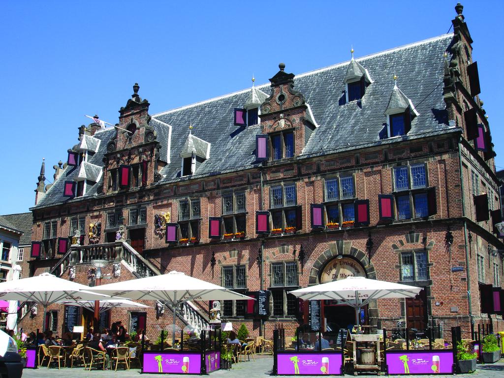 Dutch tourist board hopes influencers will help spread tourism - DutchNews.nl
