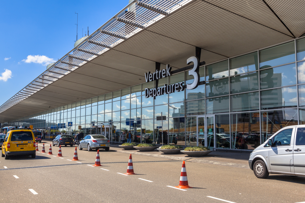 Schiphol not responsible for fuel breakdown, says airport chief - DutchNews.nl