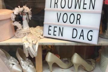 Marry for a day? Dutch mock weddings which are surprisingly sincere