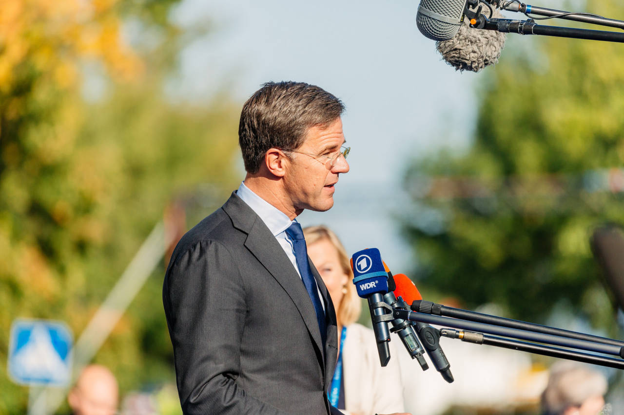 Put up pay, or we might not cut corporate taxes, Dutch PM tells industry - DutchNews.nl - Live