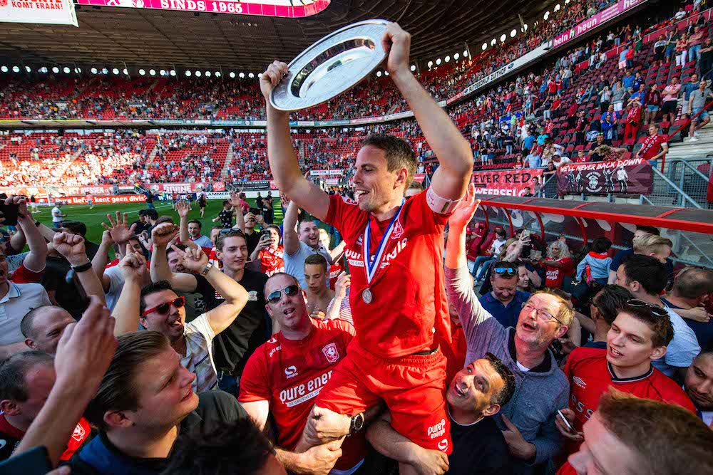 Fc Twente Take First Division Title Move Back Into The Eredivisie Dutchnews Nl