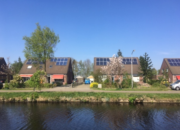 Dutch government issues first green bond, with triple A ...