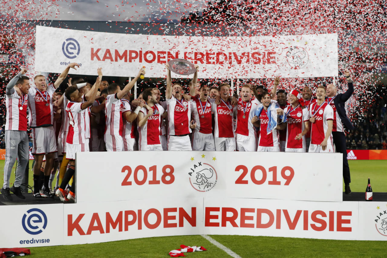 Live stream: Ajax players and 100,000 fans celebrate in Amsterdam - DutchNews.nl