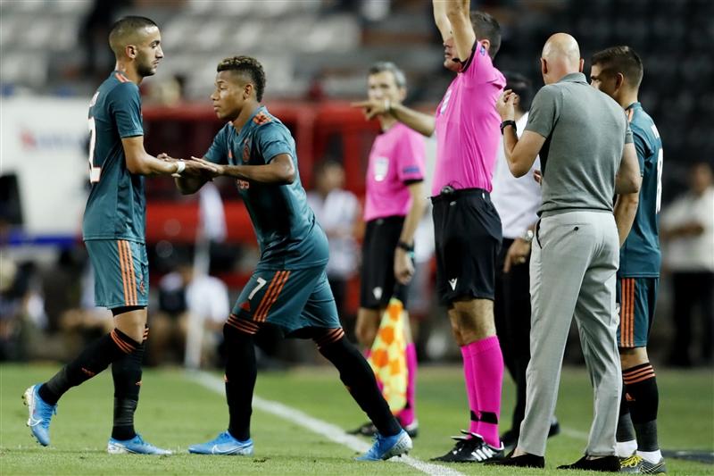 Ajax extends David Neres' contract, hopes to do same deal