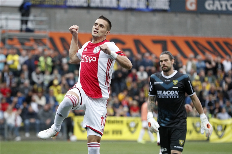 Dusan Tadic celebrates scoring a penalty for Ajax at VVV Venlo on August 18, 2019