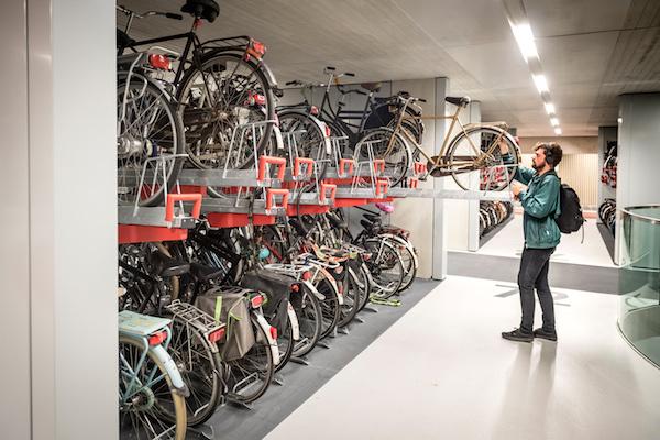 Utrecht station's bike park is now the biggest in the world - DutchNews.nl