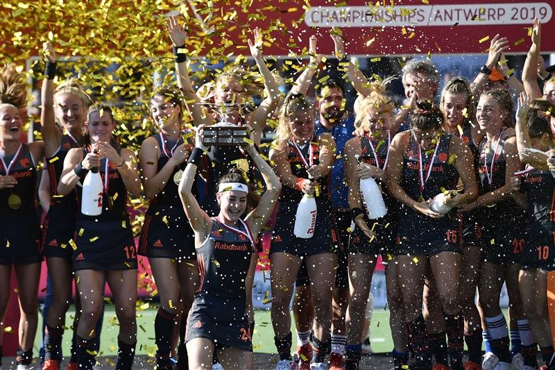 Dutch women defend title, win 10th European hockey championship - DutchNews.nl