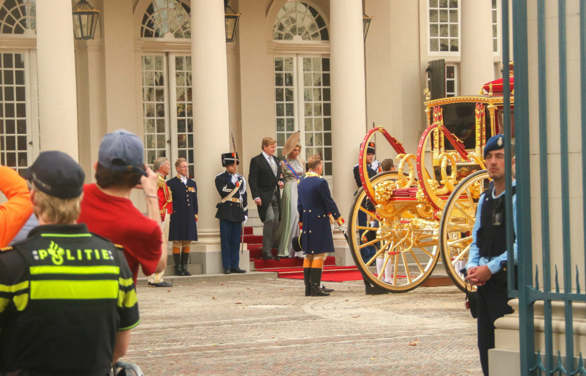 The king and queen boarding the Glazen Koets at Paleis Noordeinde in The Hague.