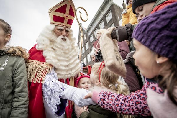 Anti-blackface protests as Sinterklaas parades pass off with few problems - DutchNews.nl