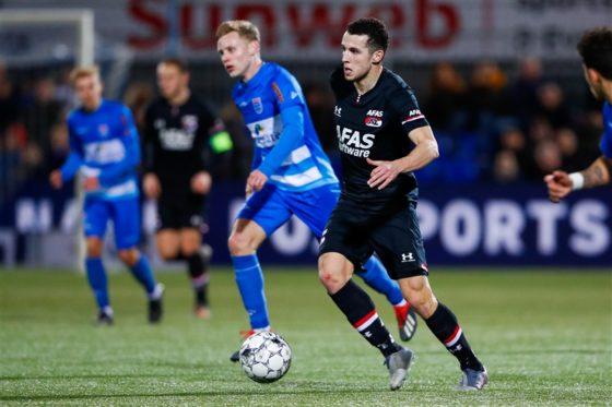Oussama Idrissi of AZ Alkmaar on the ball.