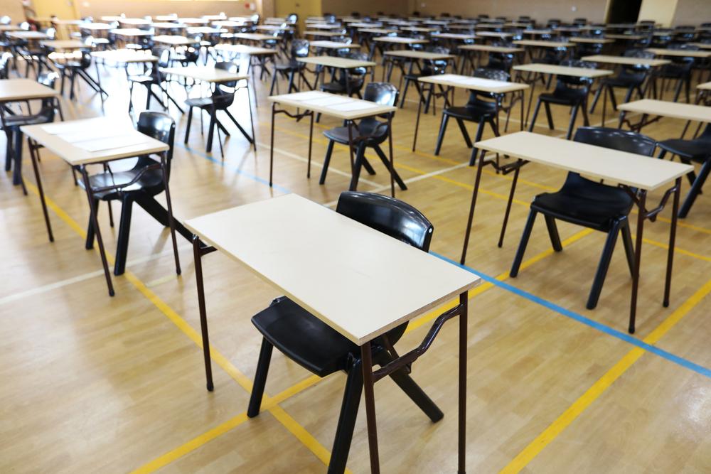 Dutch scrap centralised school leaving exams, diplomas based on course work - DutchNews.nl