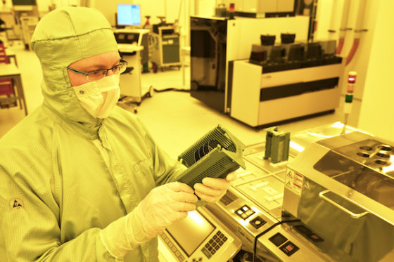 Dutch government invests €20m in Eindhoven photonic chip maker - DutchNews.nl