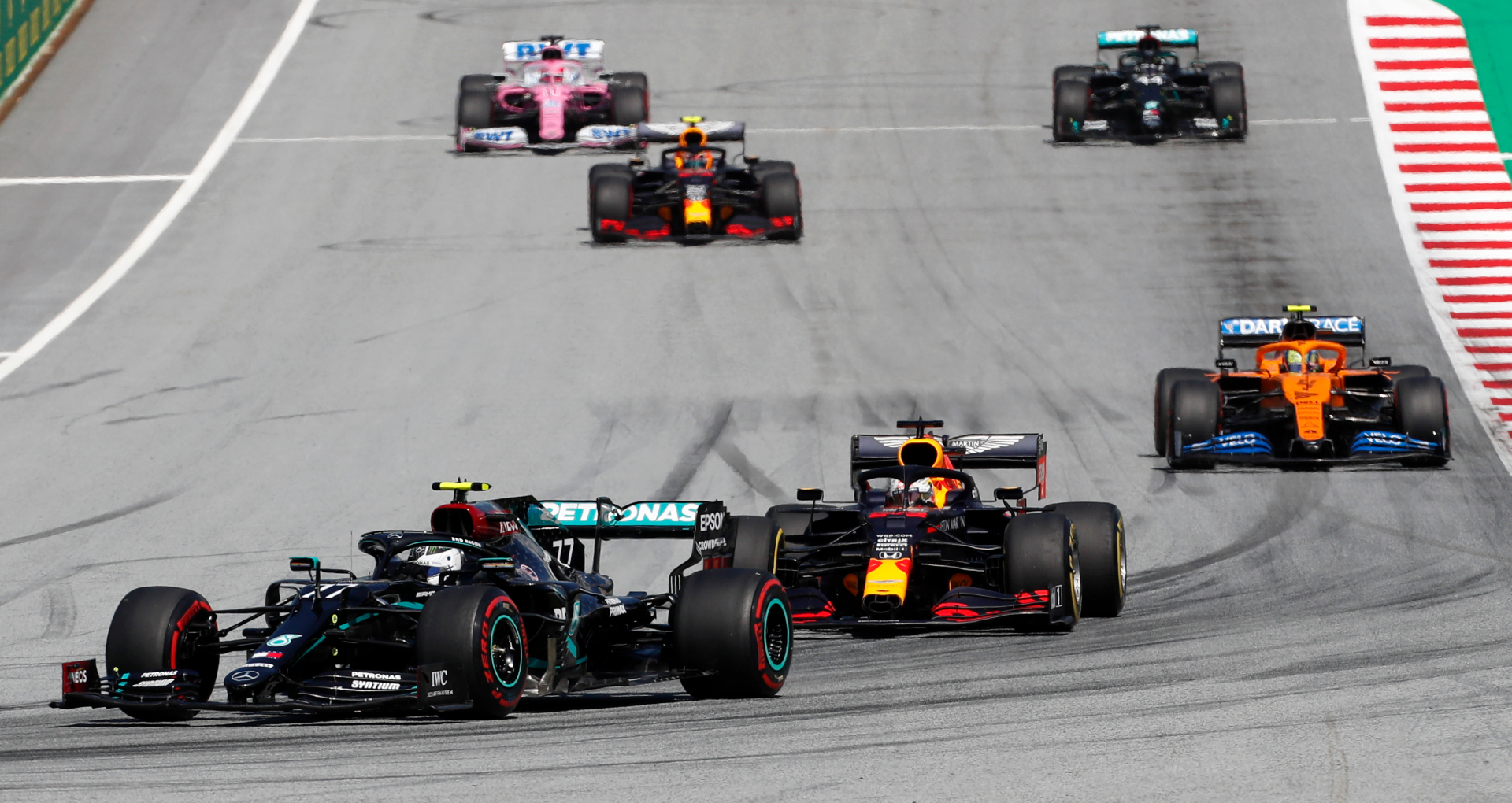 Verstappen frustrated at failure to finish, criticised for not taking a knee - DutchNews.nl