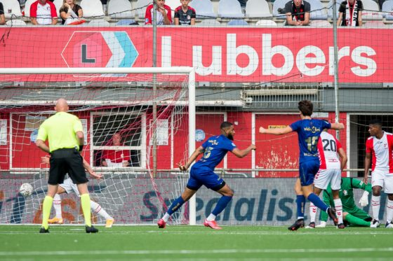 Jafar Arias celebrates scoring VVV's fifth goal in a 5-3 win at Emmen.