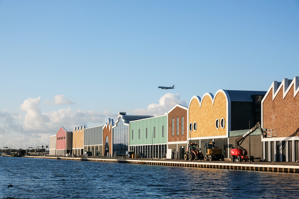 New factory outlet centre near Amsterdam may be last straw for shops on brink - DutchNews.nl